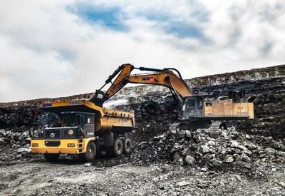 XCMG XDM80 Is In Use at Mining Construction Site.